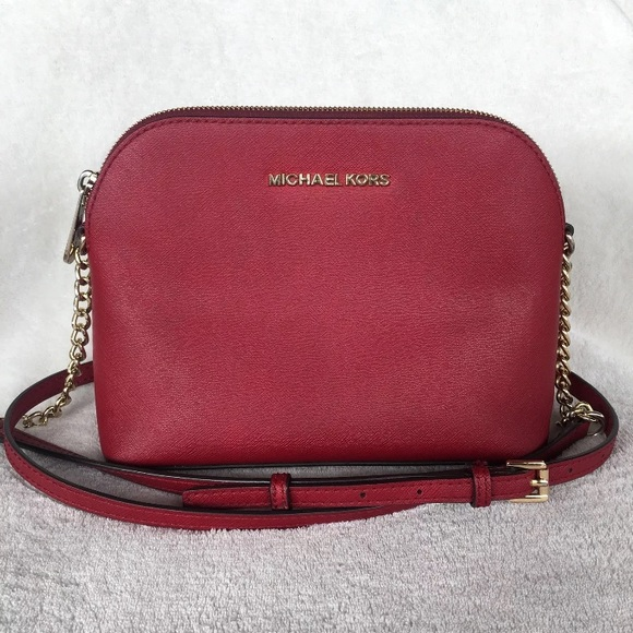 0ff410ac3171 Michael kors Cindy Large dome cherry red Crossbody.  M 5a9cb8df5512fd7570a848ee
